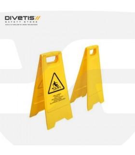 Señal peligro suelo mojado